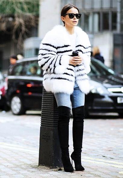 Wardrobe stylist, fashion stylist, women's fashion