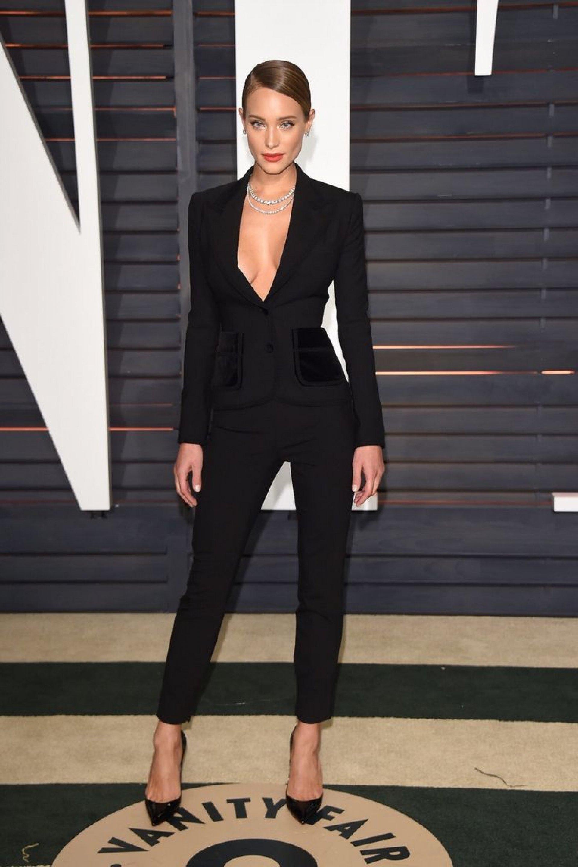 Women's wear, women's fashion, fashion, style, women's suit